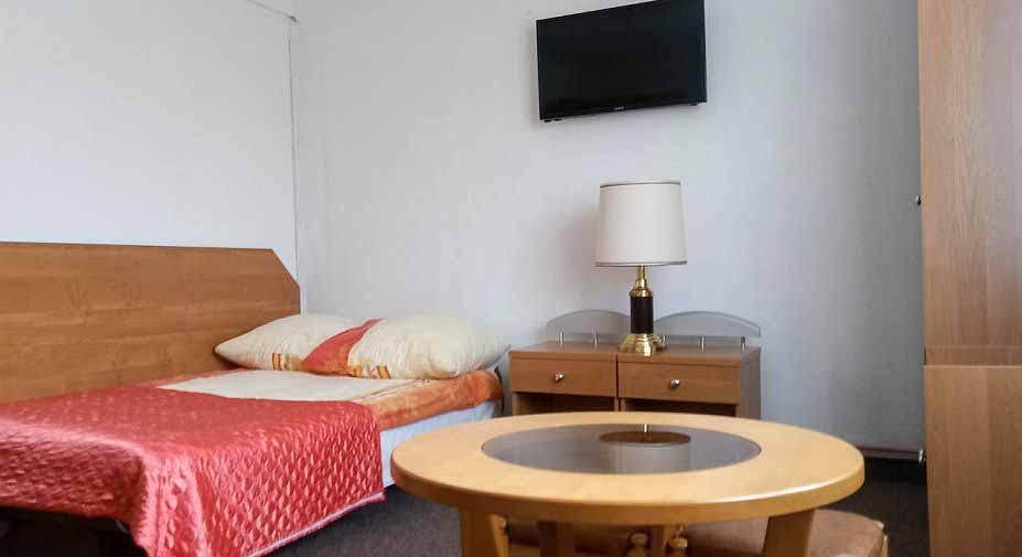 pokój-nad-morzem-z-salonem-i-sypialnią